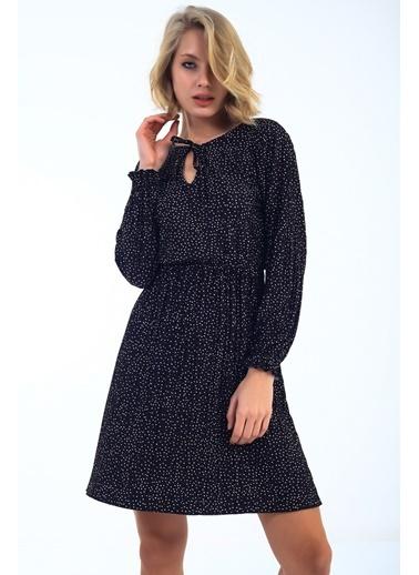 Emjey Puantiyeli Yaka Bağlamalı Piliseli Elbise Siyah